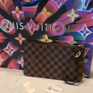 🤎Authentic Louis Vuitton Neverfull GM Pouch🤎
